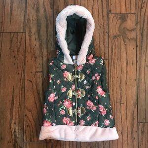 NWOT DARLING Little Lass Floral Vest